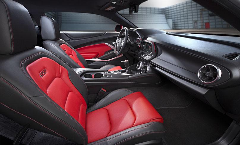 2016 - [Chevrolet] Camaro VI - Page 4 Interior1_FullImage